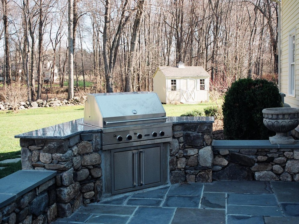 Built in grill with sitting wall