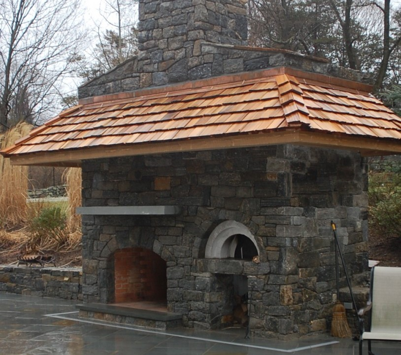 Pizza oven with fireplace